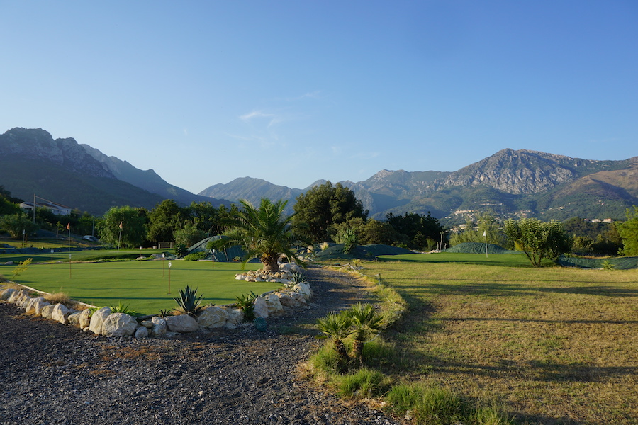 Menton Golf Club Chipping and Putting Areas