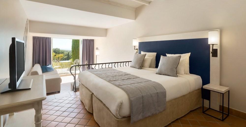 Dolce fregate provence hotel room for Hotel design provence